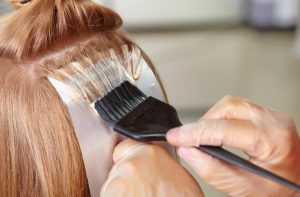 Como não cuidar do cabelo? Não cometam estes erros